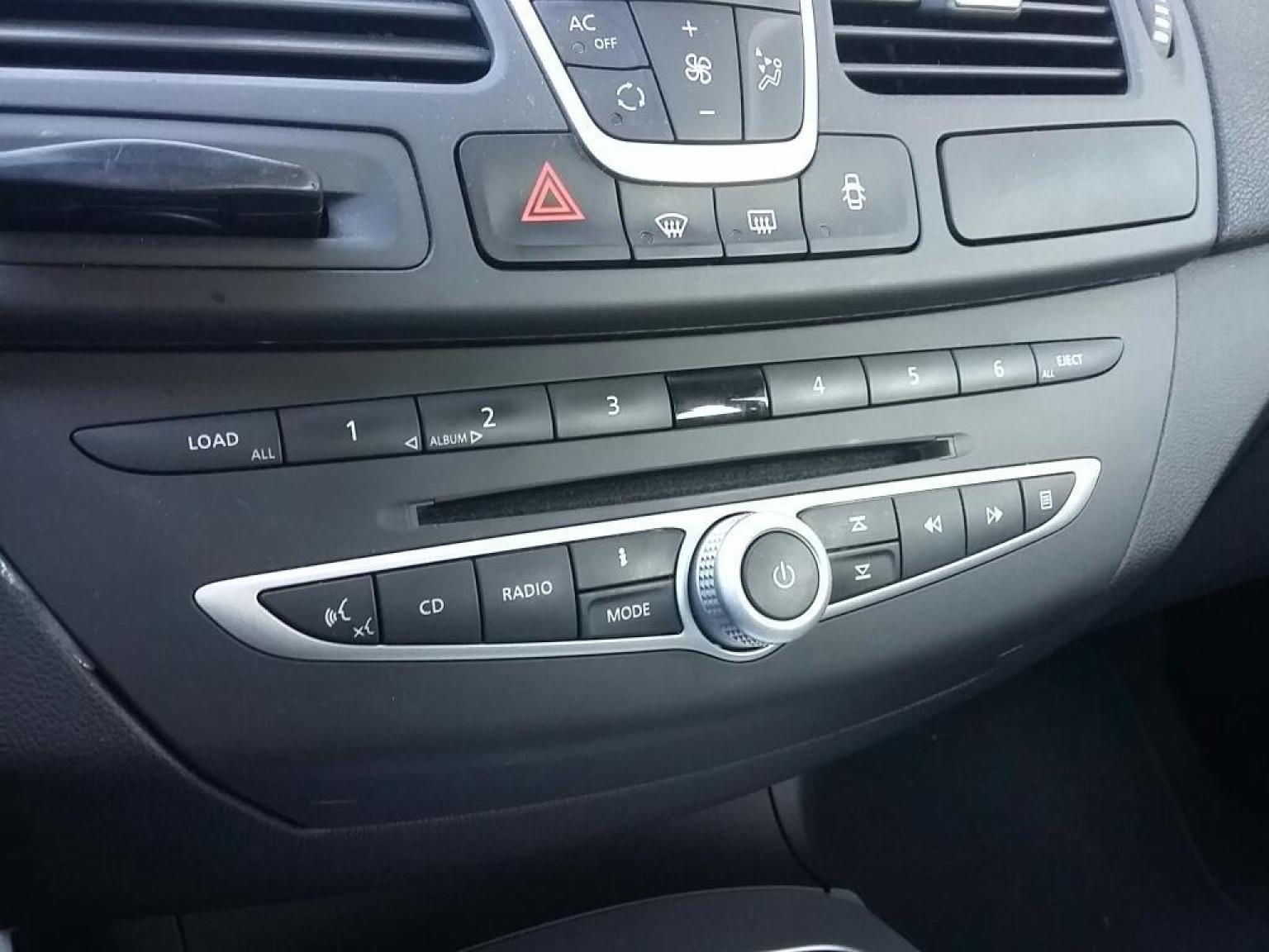 Renault-Laguna Coupe-9